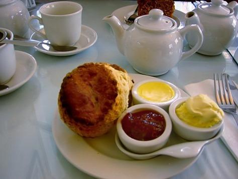 Cornish cream tea_thumb[2]