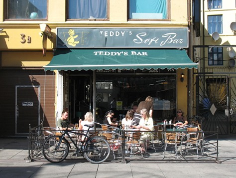 Teddy's_Soft_Bar