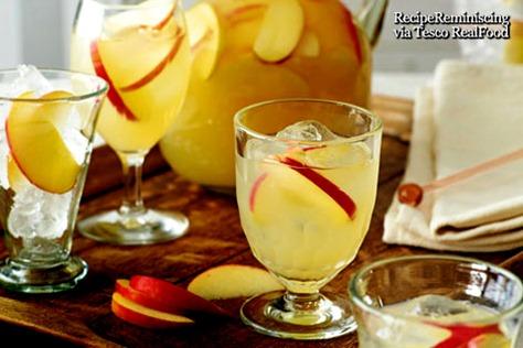 Apple, Vodka and Ginger Beer Cocktail