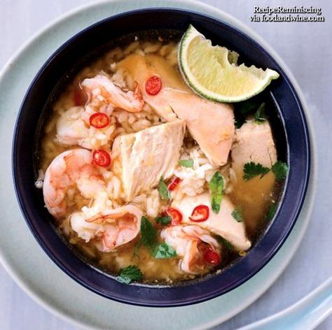 Kambodsjansk Kylling-og-Ris Suppe med Reker