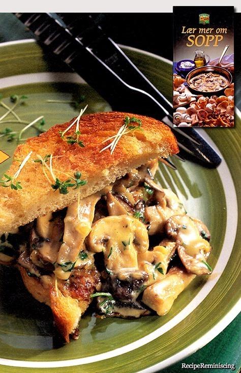 Mushroom Stew on Butterfried Toast / Soppstuing på Smørstekt Toast