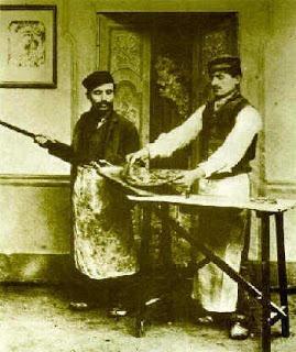 The History of Pizza | RecipeReminiscing
