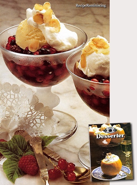 Berries in Syrup with Ice Cream / Bær i Lake med Is